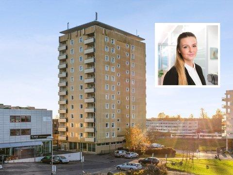STOR INTERESSE: En leilighet i høyblokka ved Oppsal senter ble denne uken solgt til en førstegangskjøper. Eiendomsmegler Madeleine Aursøy Larsson sier det så å si bare var førstegangskjøpere på visning.