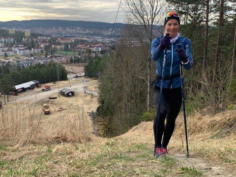 BLYTUNGT: Marte Løvberg fra Lambertseter Svømmeklubb brukte fem timer av lørdagen til å gå opp og ned i Grefsenkleiva.