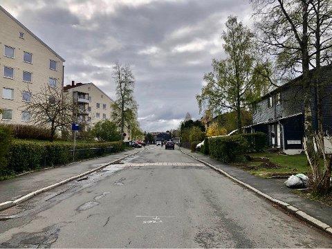 LAMBERTSETER: Blåfjellet borettslag er ett av flere borettslag hvor veien til rekkehusene kan gå via en blokkleilighet. Her fra Mellombølgen.