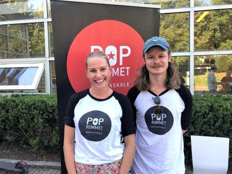 OPPSTART: Fv: Venke Knutson og Eirik Fjelde. Venke driver Poprommet som har oppstart neste uke. Her blir det musikkopplæring til både barn og voksne. Eirik er pianolærer.
