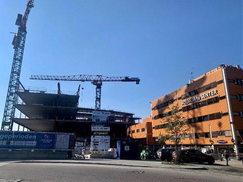HOLMLIA: Kjøpesenteret er under utbygging. I et opprop krever beboere og foreninger nå et kulturhus.