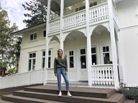 GJORT OM: Søndre Langerud gård ble solgt til Opsahl Bolig i sommer. Martine Opsahl (21) er sentral i arbeidet med å forvandle gården til et avlastningshjem for barn.