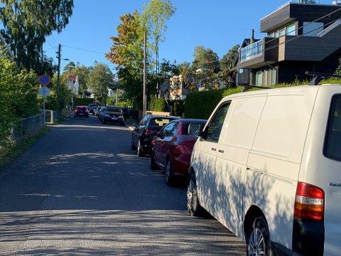 PARKERING: Munkerudveien på ettermiddagen 1. september.
