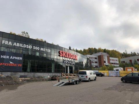 NYÅPNING: Snart flytter både Power og Thansen inn i bygget med Skeidar på Skullerud.