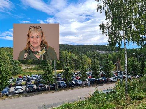 BEKYMRET: Venstres representant i Østensjø bydelsutvalg, Britt Inglingstad, er bekymret for at testsentret som er planlagt på utfartsparkeringen på Skullerud ødelegger for folk som skal ut i marka og for de som kjører dit for å drive med idrett.