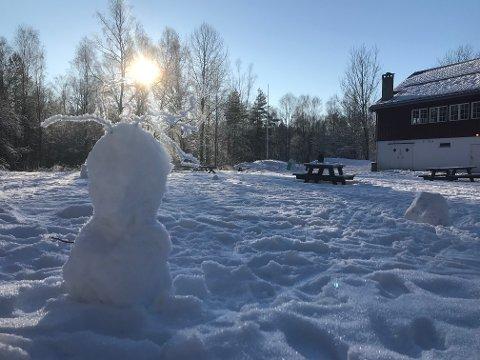 FINVÆR: Lørdag var det finvære ved Sandbakken Sportsstue i Østmarka.