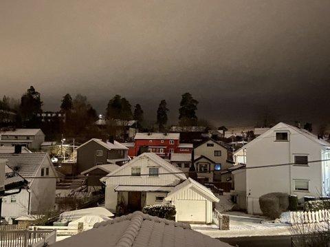 Onsdag kveld er det gått et strømbrudd som rammer flere hus på Munkerud.