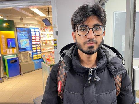 Hammad Ali forteller til Nordstrands Blad at han føler seg utrygg på kveldstid på Mortensrud.