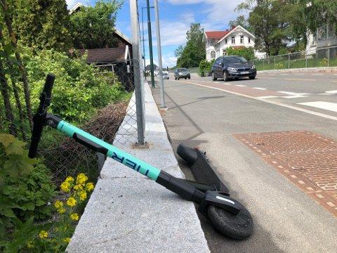 Nå er det innført nye regler for elsparkesyklene.