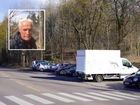 Ola Steen er fortvilet over at parkeringsplassen ved utsikten på Ekeberg blir brukt som privat parkeringsplass.