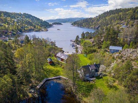 Det er en sjelden og innholdsrik eiendom som er lagt ut for salg i Hallangspollen i Frogn.