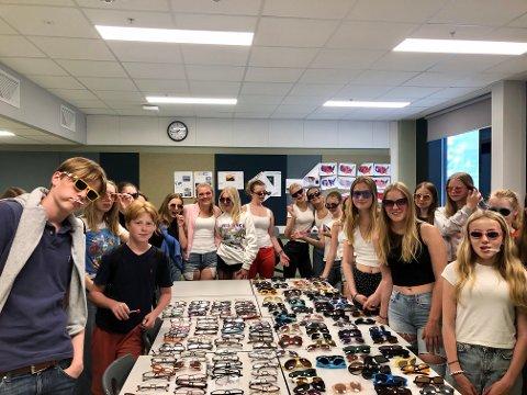 Siden januar har klassene på Nordseter skole samlet inn over 500 brillepar. Til slutt var det klasse 8C og 8D som stakk av med seieren over flest innsamlede briller.