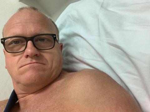 VED GODT MOT: Da Ap-politiker Frode Jacobsen skulle filme en valgkampvideo, gikk det plutselig galt. Det endte med skader i både skulder og ankel.