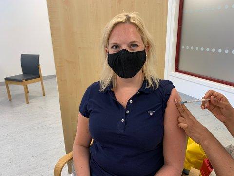 Aina Stenersen er tydelig i sin oppfordring om å prioritere vaksine fremfor ferieplaner i sommer.