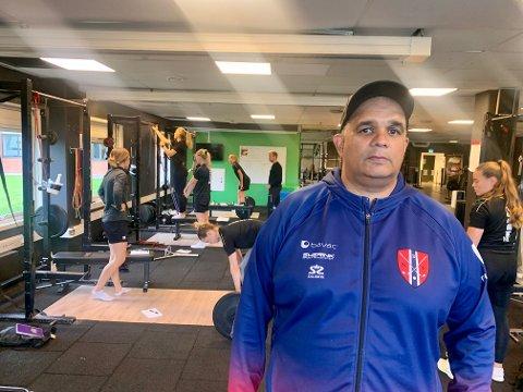 SPENNENDE: Trener Rune Ali Zohaur gleder seg til at innebandy blir en del av TV 2's sportssatsing.