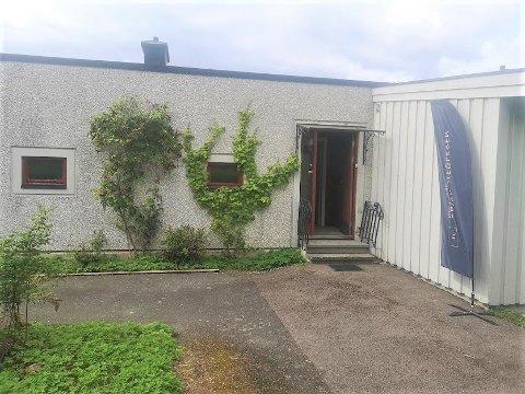 Barnefamilien som kjøpte rekkehuset i Eterveien skal pusse opp hele boligen før de flytter inn.