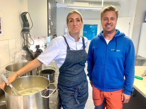 POPULÆRT KONEPT: Styrer Jan Erik Marcussen og kokk Ina Kristine Blix-Dundas tilbyr en skreddersydd pakke til alle barna i barnehagen på Ekeberg.