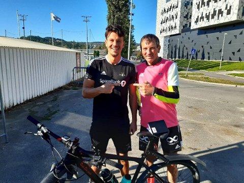 Stefano Vecchia var blant spillerne som møtte Steineide da han kom syklende fra Otta.