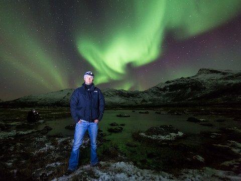 NATURENTUSIAST: Denne uken var engelske Dave Hultquist (45) i Tromsø for fjerde gang. Her på nordlyssafari på Kattfjordeidet på Kvaløya.