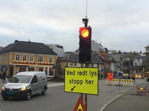 REGULERT: Kvitebjørn Varme har satt opp lysregulering i Kirkegata/Strandgata