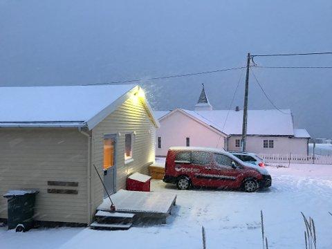 TRUET MED PISTOL: Det var her, ved Postens distribusjonsenhet i Skibotn, at  landpostbudet ble ranet tirsdag morgen.