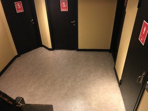 Voldshandlingen skal ha skjedd ved toalettområdet i underetasjen på Burger King. Foto: Helge Nitteberg