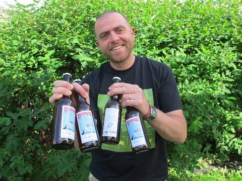 BRYGGESUKSESS: Christian Riksheim (bildet) og Anders Elde startet i garasjen til sistnevntes foreldre i 2012. I år er målet å omsette øl for halvannen million kroner.