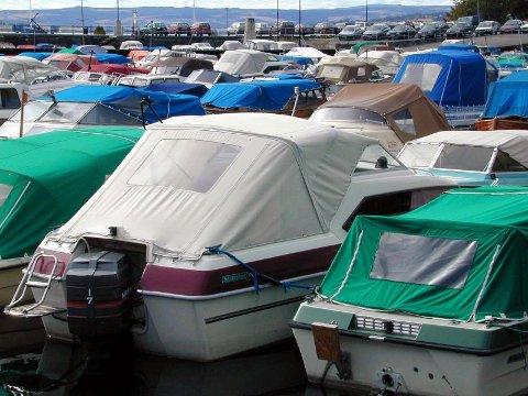 VRAKPANT: Venstre vil gi 2500 kroner til alle som vraker sin gamle båt. For biler har ordningen med vrakpant eksistert lenge.