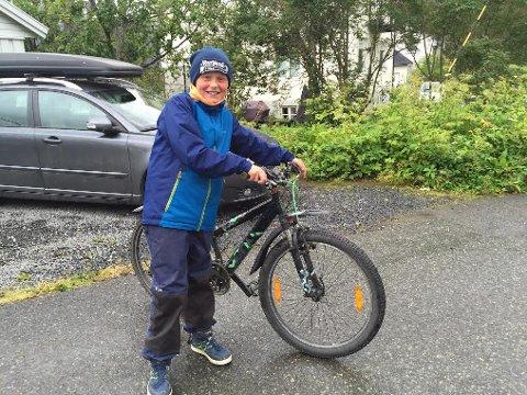 HJEMME IGJEN: Leonard Helmersen Lein fikk tilbake sykkelen sin i bedre stand etter at den ble stjålet.