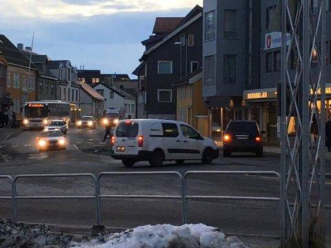 STANS: En venstresving her, når du kommer over brua inn til Tromsø sentrum, blir snart ulovlig. I hvert fall for en stund.