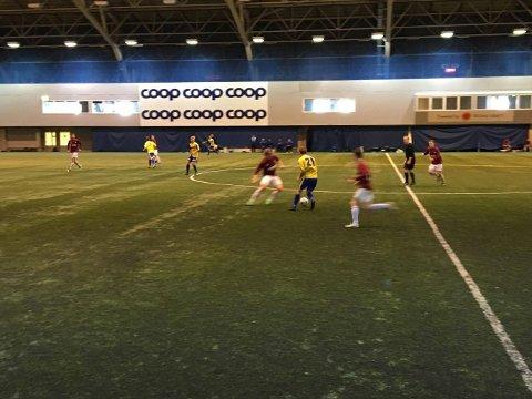IMPONERENDE AV KROKELVDALEN: Krokelvdalen vant 4-2 mot Burfjord.