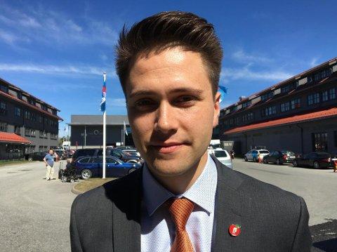 JA TIL REKLAME: FpU-leder Bjørn-Kristian Svendsrud ville ha med seg Frps landsmøte på å finansiere norske infrastrukturprosjekter med reklame langs hovedveiene, og fikk det som han ville. Foto: Jørgen Berge (Nettavisen)