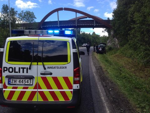 HAVNET I GRØFTA: En sjåfør havnet i grøfta ved Tverrforbindelsen lørdag.