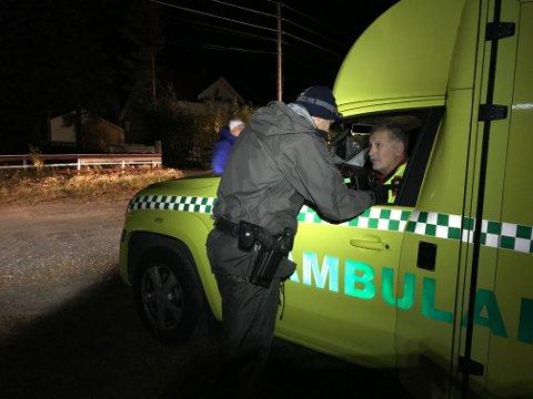 BEVÆPNET SEG: Politiet besluttet å bevæpne seg for å pågripe en person som er siktet for å ha satt fyr på et hus i Moskodalen i Nord-Troms.