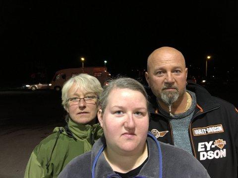 VITNER: Keth (fra venstre), Connie og Morten Marstrøm møtte Nordlys i Nordkjosbotn søndag kveld.