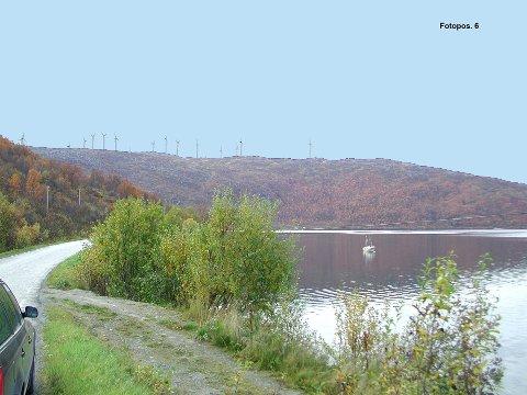UTSIKT: Slik kan utsikten bli etter at vindkraftverket er ferdigbygget. Dette er den tenkte utsikten  vest for Synnøvejord Nordkattfjorden. Foto: NVE