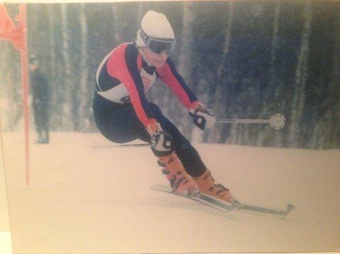 UNG: Maurstad som 13-åring med Dynastar-ski, Lange-støvler og Kerma-staver. Foto: Privat