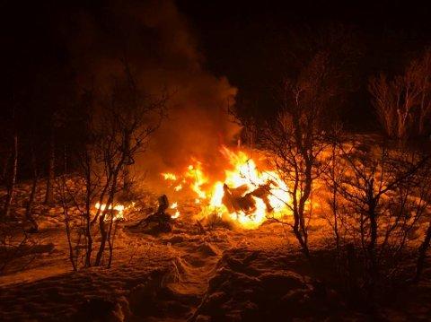 UTBRENT: Beltevognen tok fyr inne i Setermoen skytefelt.