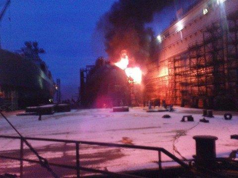 Brann på atomubåt i Roslyakovo i desember 2011.