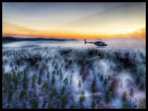 I LUFTA: Morgan Isaksen fra Tromsø har publisert flere bilder fra slukkearbeidet på sin Facebook-side.