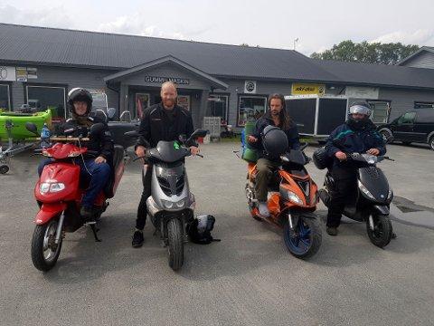 LANG TUR: Martin Svendsen, Aleksander Johansen, Joakim Sandnes og Jonas Flaten har kjørt skuter i ni dager fra Oslo til Nordkapp.
