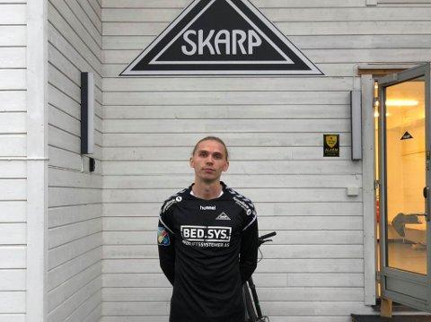 FORLATER SKARP: Øystein Richardsen spilte i kveld sin siste kamp for Skarp, for nå. Foto: Marius Medby