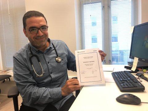 GLAD: Ahmed Muchtaha fra Gaza jobber som lege i Tromsø. - Jeg har blitt godt kjent med det norske systemet, helsevesenet og lovene på tida jeg har bodd her. Og alt virker veldig bra, sier han.