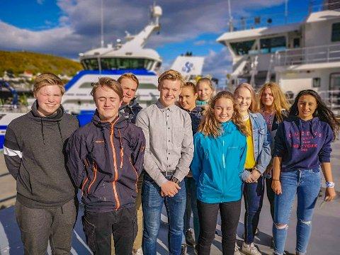NESTE GENERASJON: Anders Dalseth (16), Lars Erik Kaspersen (16), Hermann Markussen (17), Beate Kiil (17), Siril Jørgensen (16), Odin Baklen (15), Tuva Elida Arneng (16), Lillian Strøm (15) og Pernille Nilsen (15).
