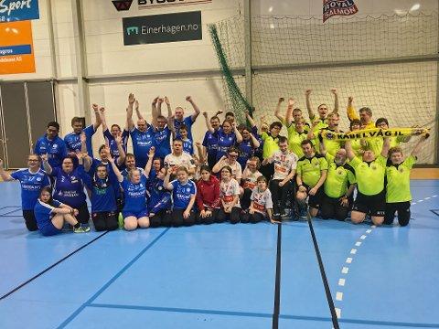 IDRETTSGLEDE: Så lykkelig blir Bossekop UL, Kabelvåg IL og Bravo etter endelig å få samlet seg for å spille turnering i Tromsø, hvor også Harstad/Landsås var med.