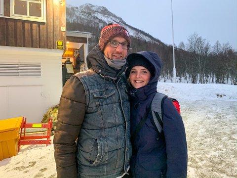 SMÅSKUFFET: Sven Hillebrecht og Katrin Heiss måtte snu i døren da de kom til Fjellheisen ved foten av Fløya lørdag ettermiddag. Paret håper på en ny sjanse til å se byen ovenfra en gang i løpe av de neste dagene.