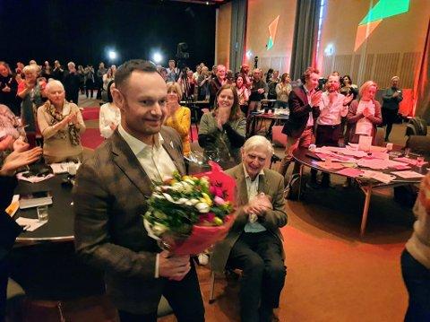 NY NESTLEDER: Torgeir Knag Fylkesnes ble lørdag valgt til ny nestleder i SV. Den første som gratulerte ham var Ottar Brox.
