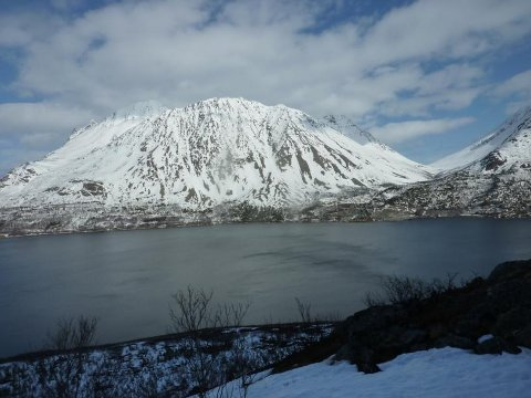 FJELLET: Sultinden er et 1083 meter høyt fjell og ligger i Lyngen kommune. Bildet er tatt ved en tidligere anledning.