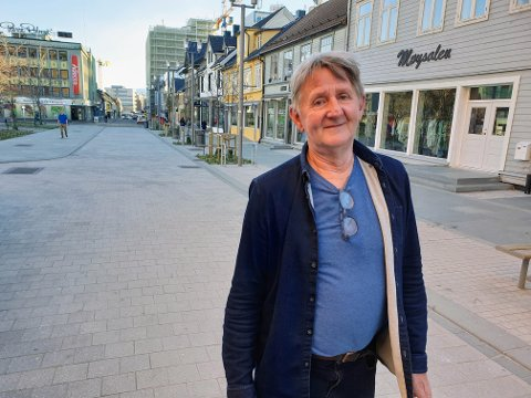 VIL HA JERNBANE TIL TROMSØ: Herman Kristoffersen er oppgitt over politikere som ikke kjemper Tromsøs sak. Ap får også det glatte lag.