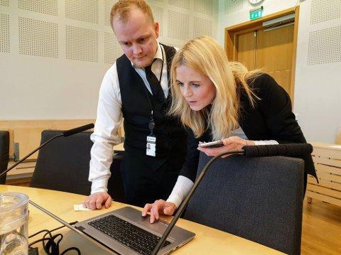 AKTOR: Gøril Lund er aktor i saken. Her sammen med straffesaksbehandler Fredrik Angell.